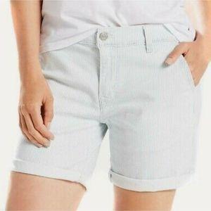 LEVI'S Classic Chino Boyfriend Shorts